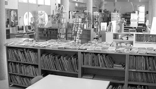 Biblioteca Pública Municipal de Castalla (Alicante). Vista en www.escaparatedigital.com